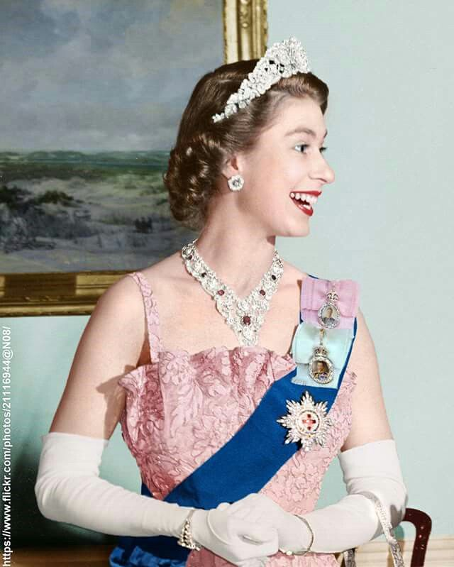 HM Queen Elizabeth II Canada tour 1951. She's wearing the Nizam of Hyderabad tiara (now dismantled), the Diplomatic Corps diamond floral earrings, and the Greville ruby bandeau necklace.