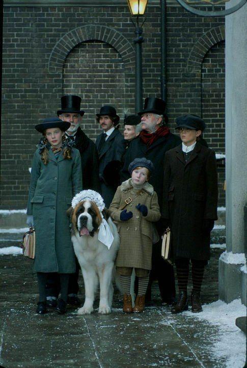Still of Rachel Hurd-Wood, Harry Newell and Freddie Popplewell in Peter Pan 2003