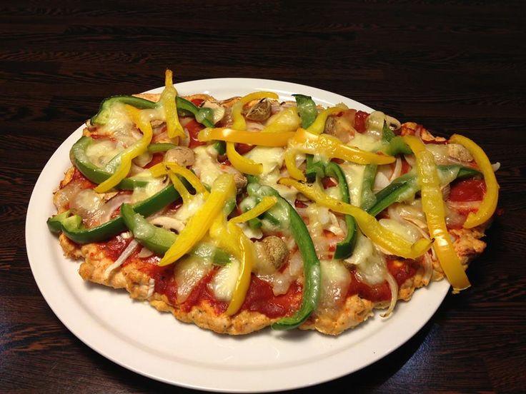 Egészséges pizza - csirke alappal RECEPTTEL