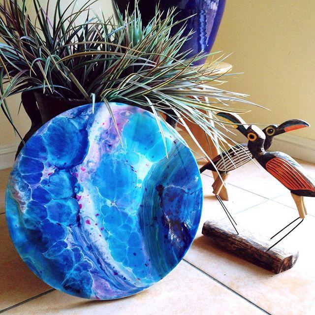 #resinart #resin #fluidart #fluidpainting #brisbaneart #resinartist #blue #hespoke #art #artist #abstract #abstractart #artlife #trending #roundart #30cm #vibrant #fun #tbt #allfortheprocess #crownedforgloryart