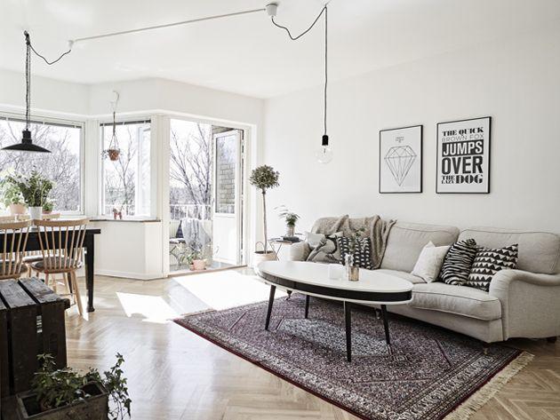 Imádom ezt a lakást, de a legérthetetlenebb dolog számomra a lógó kábelek. Ám ezzel a lakás összes hibáját elmondtam. (Fotó: stadshem.se)