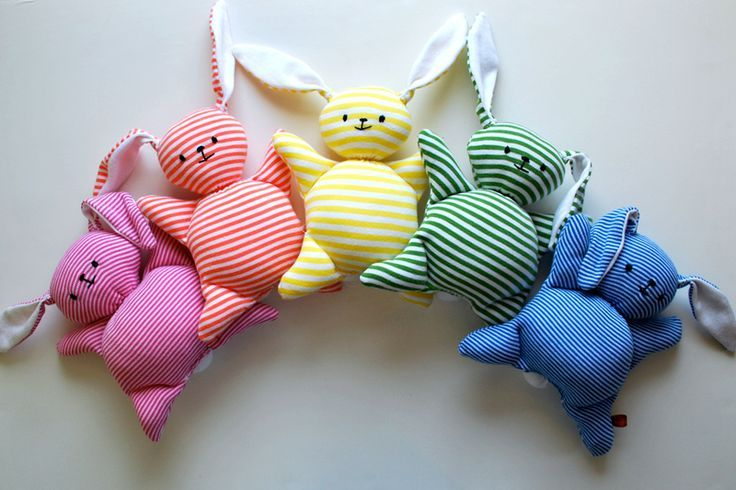 Sewing tutorial: Mooshy Belly Bunnies - easy beginner sewing project
