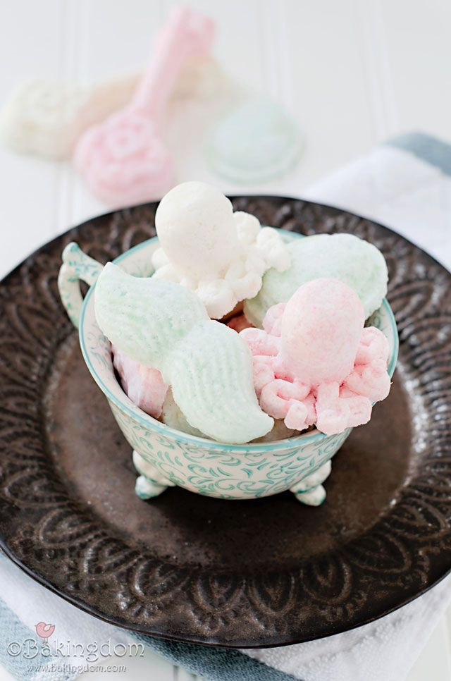 Homemade White Tea Bath Bombs by Bakingdom