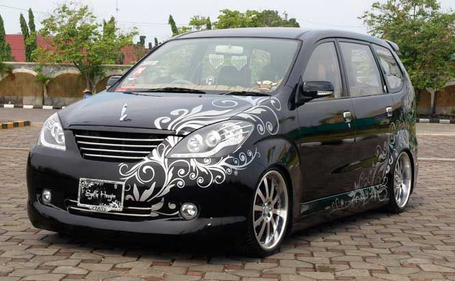 Modifikasi Toyota Avanza Hitam Terbaru