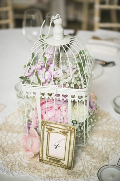vintage wedding flowers- centerpieces