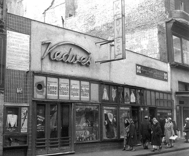 1950-es évek. Kedves presszó a Váci utcában