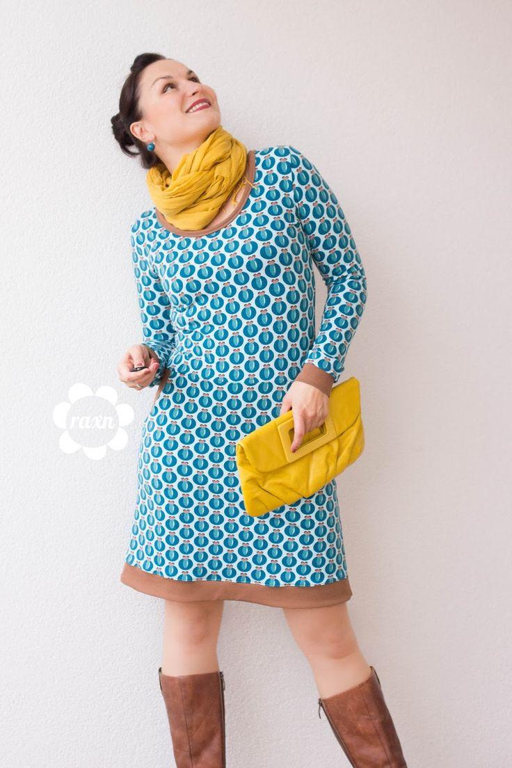 raxn: Ein Kleid für alle Fälle. NELVITA petrol meets Frau Fannie. Ein Textildesign by raxn für alles-fuer-selbermacher
