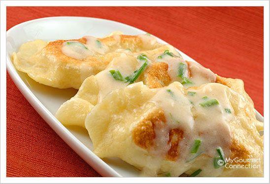 Sour Cream Garlic-Chive Sauce for Pierogies!