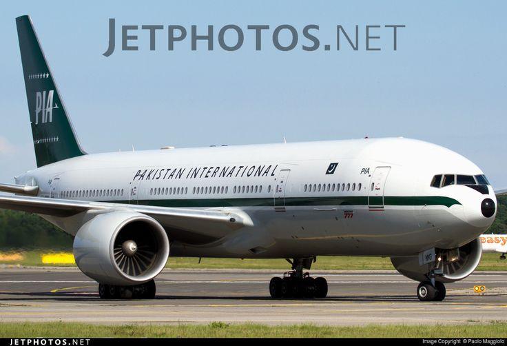 "Pakistan International Airlines Boeing 777-2Q8/ER ""RetroJet"""