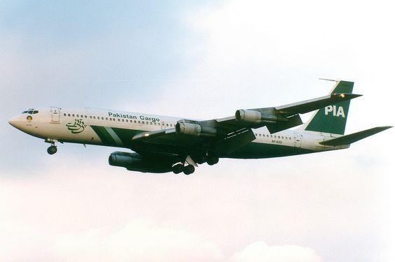 Pakistan International Airlines | Boeing 707-300C | AP-AXG | London Heathrow | Flickr - Photo Sharing!