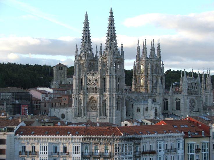 Vista de la catedral de Burgos, Camino de Santiago