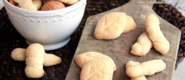 biscotti per la colazione, non troppo dolci, si possono inzuppare nel latte. Buoni