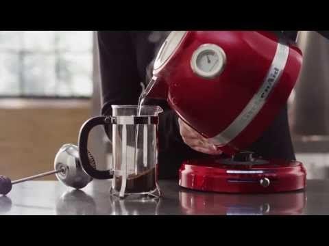 Nová řada rychlovarných konvic v krásném designu a základních barvách modelové řady KitchenAid. Vybrat si můžete až ze šesti krásných barev :)