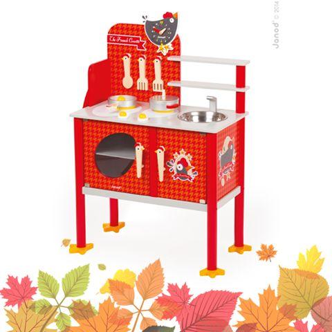 Drevené hračky majú dlhú životnosť a prinášajú vašim ratolestiam krásny zážitok z hry. Potešila by ich táto krásna červená kuchynka s motívom kohútika? :) Viac informácií na: bit.ly/1Os3ari .