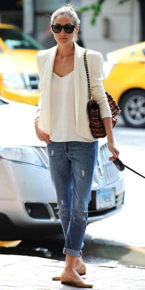 White loose cut blazer and boyfriend jeans