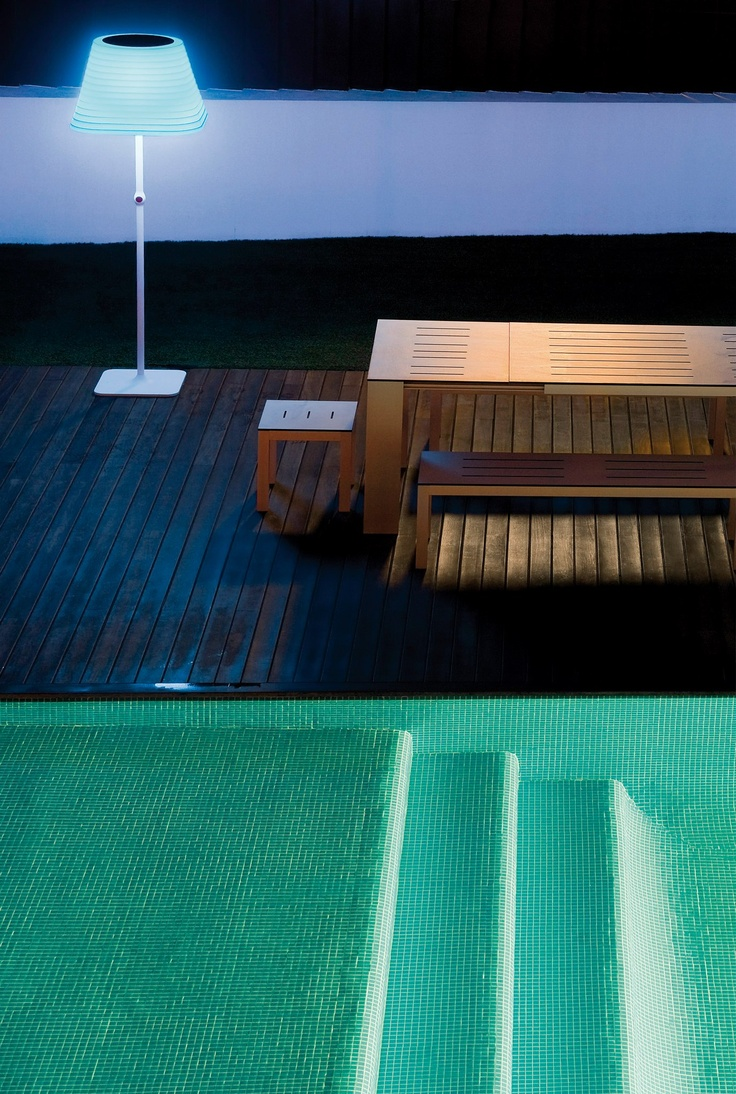 BRIGIT FLOOR with LED colour effects. Terrace. — en Arkoslight.
