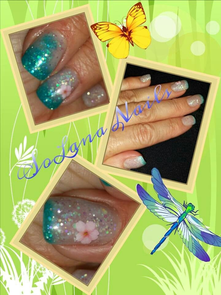 Color changing gel.   Blue when cold