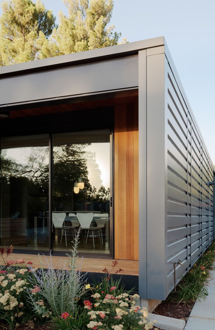 What California Needs Now Affordable Fire Resistant Homes Builder Magazine Resilient Design Fire Safet Modern Prefab Homes Prefab Homes Dream Home Design