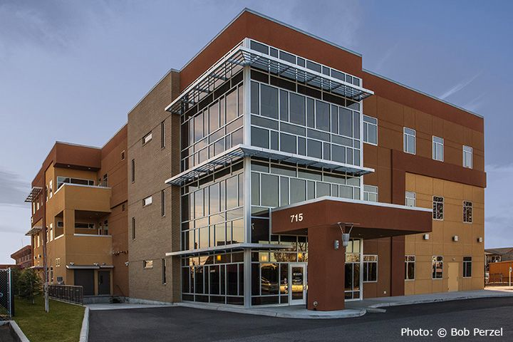 Concrete Tilt Up Office Buildings With Glass Corner
