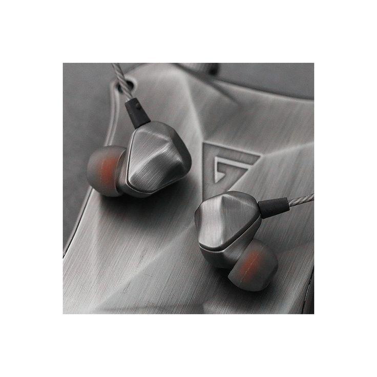 AG F100 Ecouteurs Intra-Auriculaire IEM Driver 16 Ohm - Avec leur design géométrique les écouteurs intra-auriculaires AG F100 ne peuvent que retenir l'attention. Un design qui ne va pas au détriment des performances puisque ces IEM assurent d'excellentes performances audio, grâce à une conception soignée.