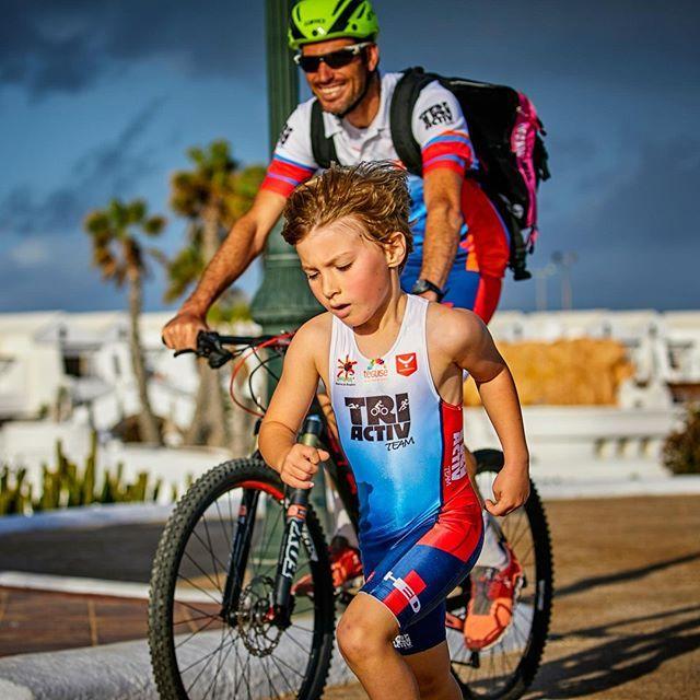 Where you go, I go. Happy father's day to all! 👪👌 #sport #dad #swim #bike #run #tri #trikids #triathlon #triathlete #motivation #joy #wearyourdreams #chaseyourdreams #taymoryteam #taymorylife #taymory #taymorytri #fathersday #father #sunday foto by @jamesmitchell5