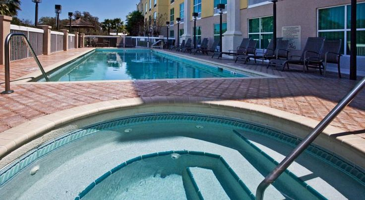 Holiday Inn Hotel & Suites St. Augustine-Historic District St. Augustine Located in St. Augustine, Holiday Inn Hotel & Suites St. Augustine-Historic District offers a cafe, an outdoor pool with hot tub, and free WiFi. Castillo de San Marcos is 6 minutes' drive away.