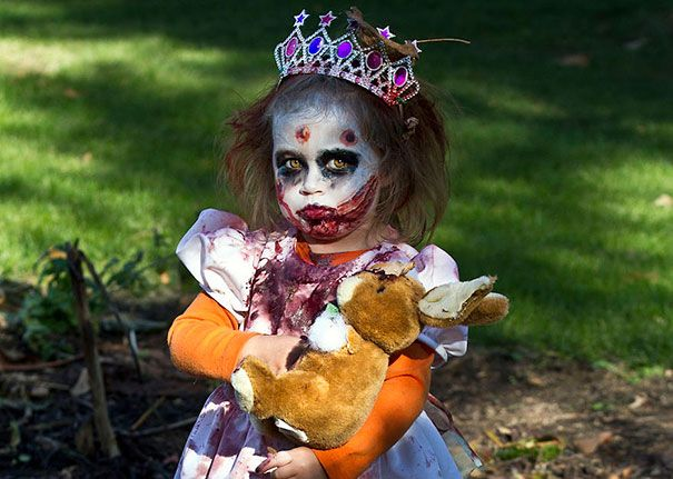 Quatang Gallery- 30 Costumes D Halloween Pour Enfants Parmi Les Plus Effrayants Du Monde Ames Creepy Halloween Costumes Halloween Costume Toddler Girl Toddler Witch Costumes
