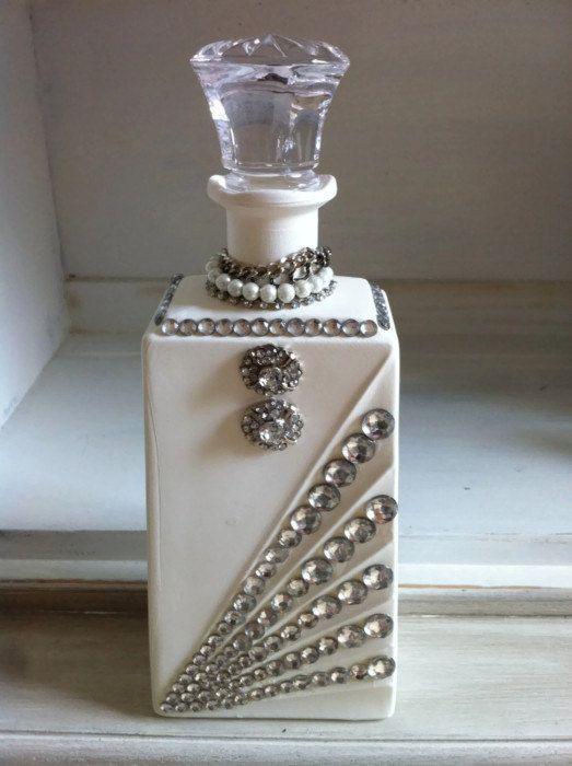 best 25 decorated bottles ideas only on pinterest decorated wine bottles decorating bottles. Black Bedroom Furniture Sets. Home Design Ideas
