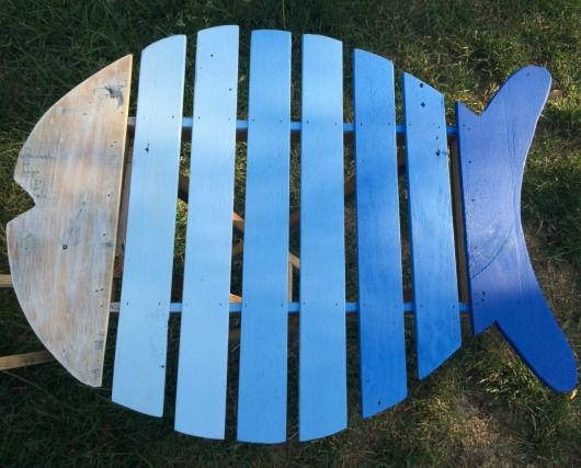 Reclaimed Wood Fish Table.... http://www.completely-coastal.com/2017/03/outdoor-side-table-coastal-beach-theme.html Perfect table for your outdoor space!