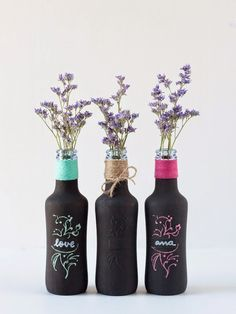 diy-botellas-de-cristal-pintura-pizarra-florero