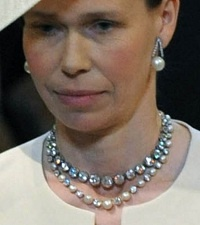 Lady Sarah Chatto in Queen Mary's necklaces