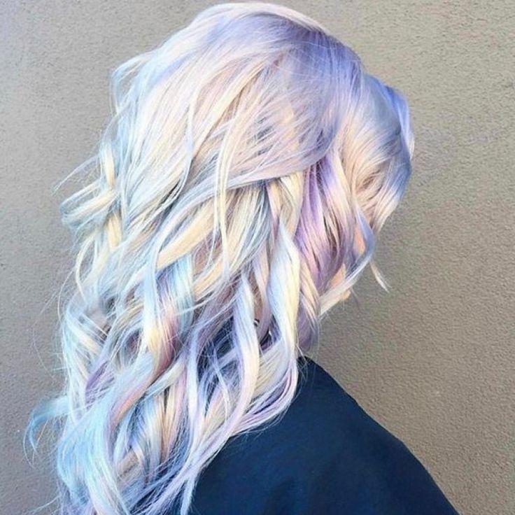 Des cheveux holographiques ? La nouvelle tendance psychédélique (Photos)