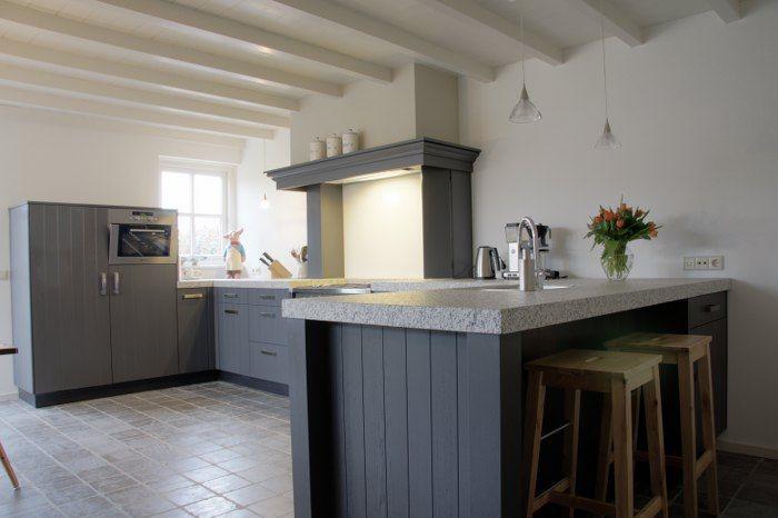 Houten Keuken Dreamland : Het aanrecht aan de rechterkant van de keuken is tevens