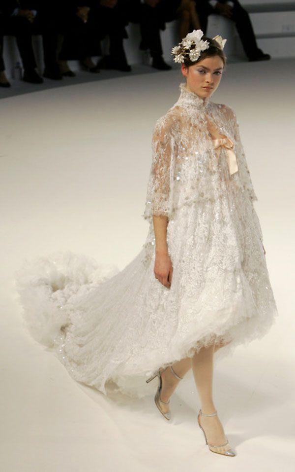 Beautiful dress from amazing Chanel Haute Couture spring-summer 2006 collection
