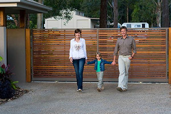 Balau Timber Driveway Sliding Gate With Aluminium Frame