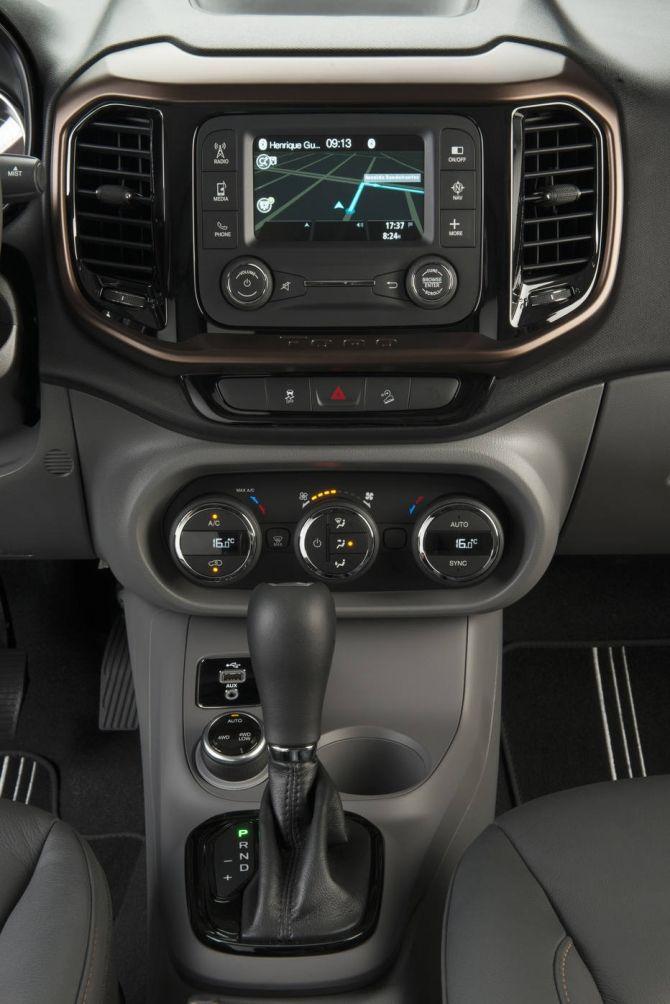 A Fiat acabou de divulgar os preços da picape Toro. A versão mais barata, Freedom, com motor 1.8 flexível e câmbio automático de seis marchas, custa