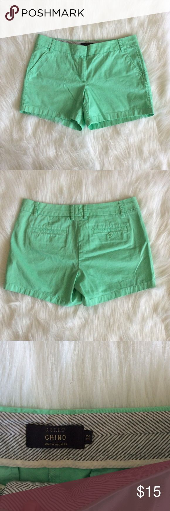J Crew Chino Casual Mint Green Shorts Size 12 Flat Lay Measurements  Size: 12 Length: 13 1/2 Waist 17 1/2 J. Crew Shorts