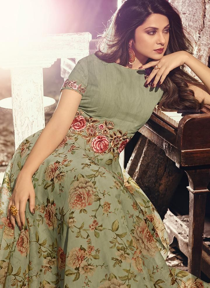 adb8713b66 Buy the latest designer anarkali suits at Lashkaraa, we have a wide range  of floor length anarkali suits, party wear and anarkali dresses for every  occasion