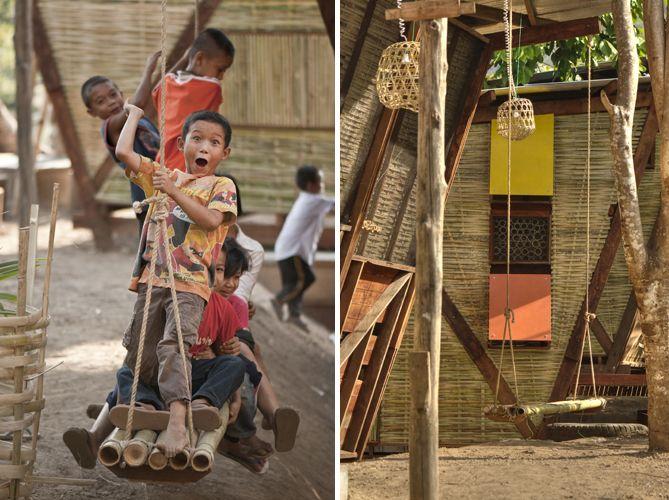 tyin tgnestue, tailandia, bangkok, bambu, sostenible, arquitectura solidaria, arquitectura social, ventilación, autocosnstruccion, local, artesanos, detalle, reciclaje, campo futbol, chabolas, estrecho, parque