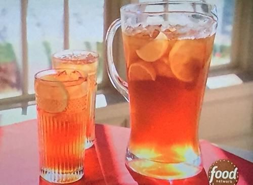 "Sweet Tea (Holiday Cookie Party!) - Trisha Yearwood, ""Trisha's Southern Kitchen"" on the Food Network."