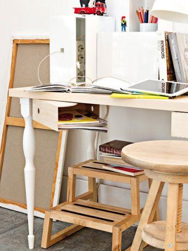 ワークデスク下の収納場所と使うアイディア。| IKEAで人気のマガジンファイル[KNUFF]の意外な活用法♪