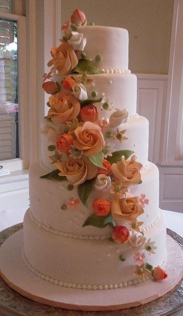 Birmingham Wedding Cake by Karen Portaleo/ Highland Bakery, via Flickr