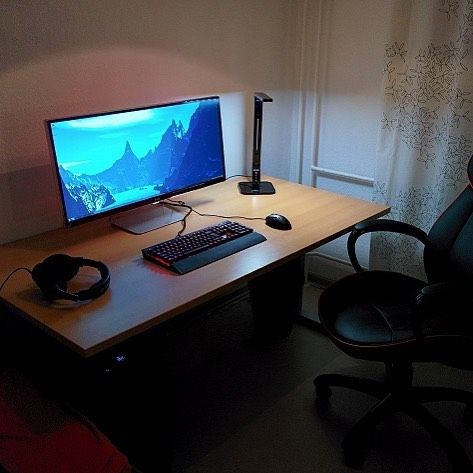 This is another example of a more gaming orientated desk even though it is more minimal than the others. It shows a more minimal approach. This also could be seen as a designers set up to.