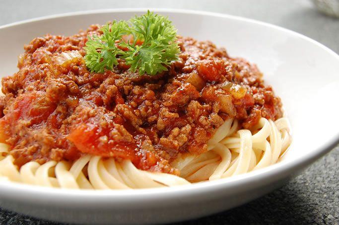 İtalya'dan Fransa'ya, Türkiye'den İspanya'ya kadar yaygın ve geniş bir ağı vardır makarna soslarının