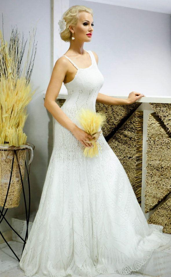 Mohair/silk knitted wedding dress