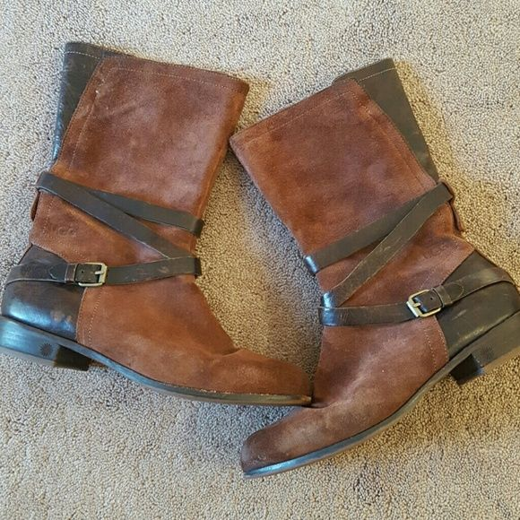 SALE! HP UGG DEANNA Brown Leather Boots 9 UGG DEANNA brown leather boots. These boots are awesome! Super cute distressed look! US 9 EURO 40 . Great condition Gently worn. UGG Shoes