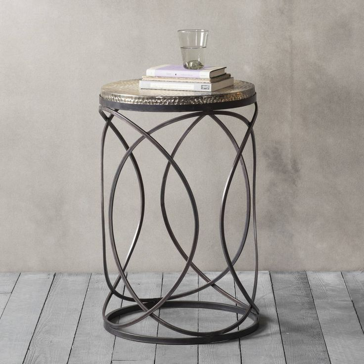 Are you interested in our round metal side table? With our round occasional table bronze you need look no further.