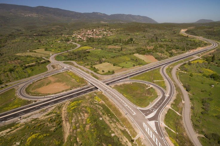 PwC: Transport, Tourism & Energy Projects Key for Growth in Greece.