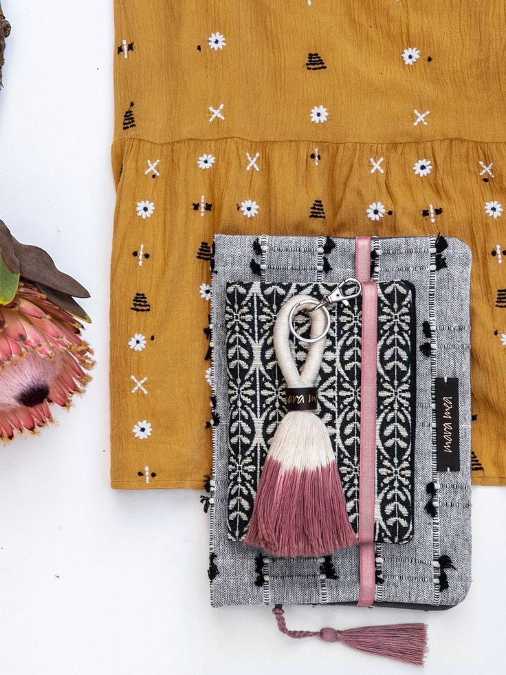mara mea Umstandskleif bazaar bohemia in ocker (maternity dress), Windeltasche d…