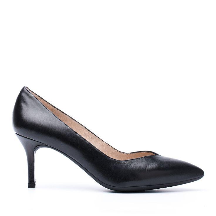 UNISA KUN_F16 - <p>Zapatos de salón de Unisa fabricados en piel con piso de goma, altura media de tacón y punta fina con escote en pico.</p> <p>Diseños sofisticados y cómodos para poder lucir cualquier momento. ¡Todo en nuestra web!</p> <p> </p>